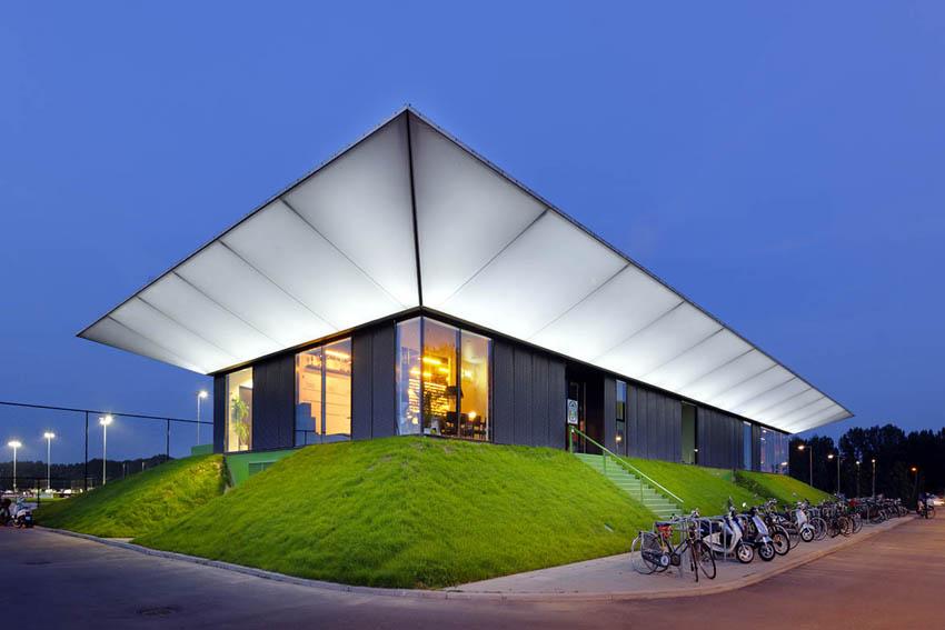 Sportcomplex Zestienhoven, Rotterdam